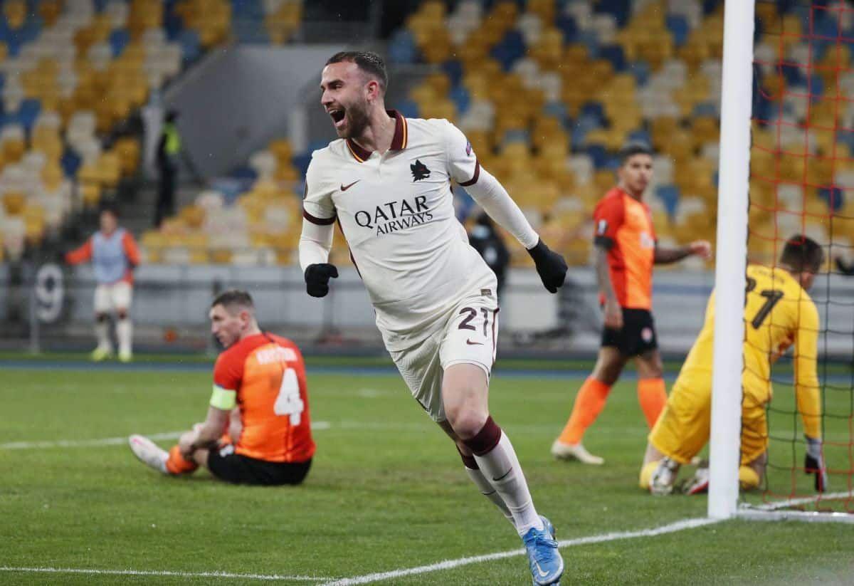 روما يفوز علي شاختار ويتاهل لدور ربع النهائي